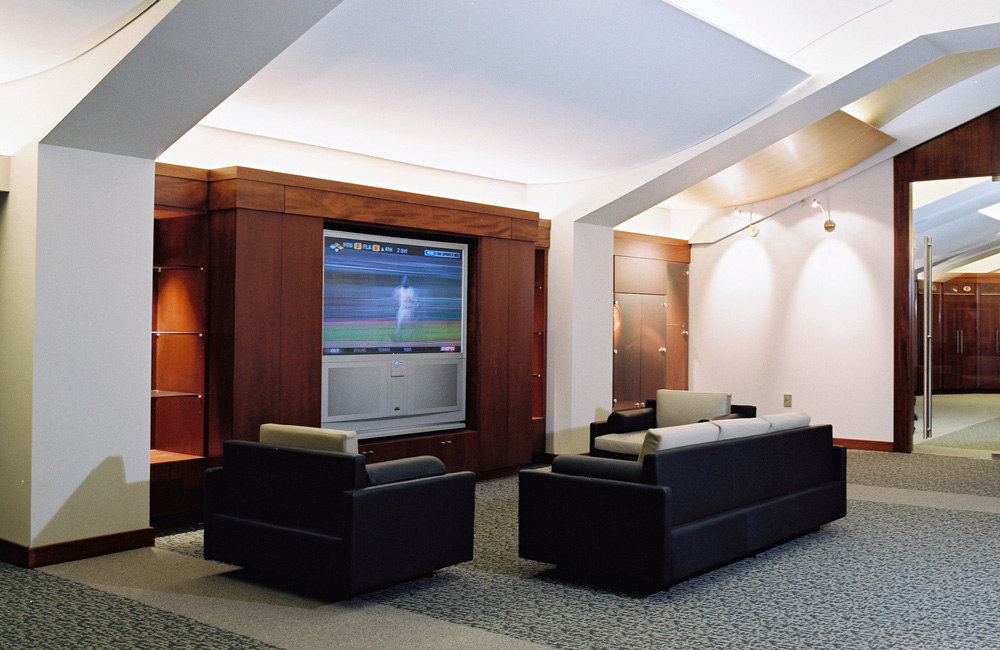 200150_Lounge_feature